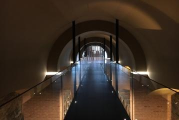 Bodegas Regina Viarum - Túnel barricas