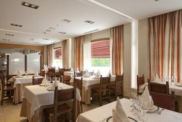 Breas Hotel **** - Interior Restaurante 01