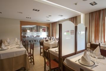 Breas Hotel **** - Interior Restaurante 02