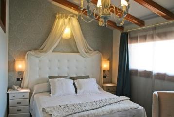 Hotel Castillo Alquézar - Una de las habitaciones