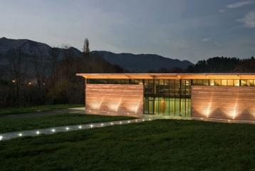Bodega Casona Micaela - Edificio principal nocturno