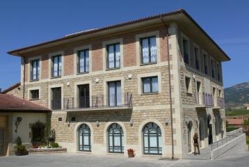 Bodega Luis Cañas - Edificio social
