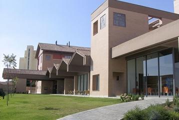 Bodega Julio Crespo-Hotel Vistaflor Sahagun - Fachada del Hotel Vistaflor Sahagún
