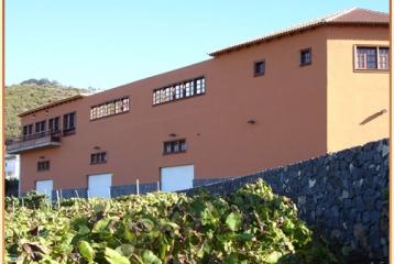 Edificio donde está instalada la bodega