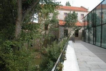 Posada Real Fuente de la Aceña - Vista exterior de la terraza del hotel.