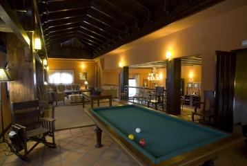 Bodegas Valdubón - Sala de estar y billar