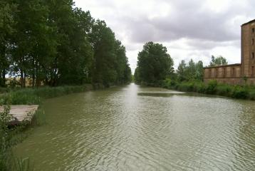Quinta del Canal - Embarcadero en Canal de Castilla