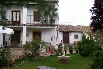 Quinta del Canal - La casa y el mesón