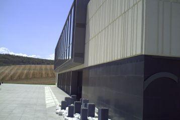 Bodega Cepa 21 - Vista exterior de la bodega