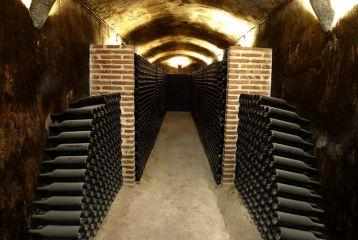 deAlberto - Habitación de las botellas