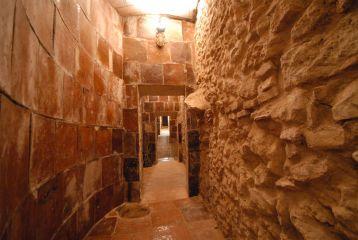 Bodegas Joan Sardà - Cuevas subterraneas.