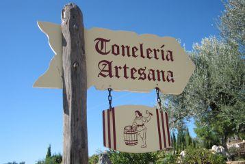 Centro de Interpretación del Vino y la Tonelería Artesana - Cartel indicador de la entrada