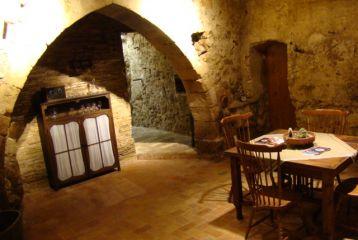 ARTCAVA - Masia Can Batlle - Sala de Catas- Arco gótico del s.XII.