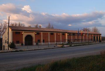 Fachada de Bodegas García de Aranda