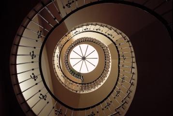 Hotel Restaurante-Spa Villa de Laguardia - Escalera de caracol