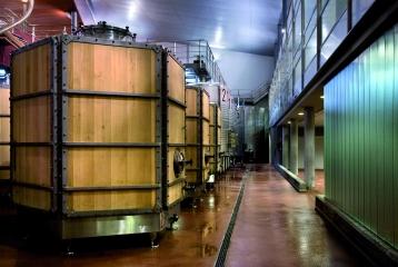 Bodega y Hotel Valbusenda - Depósitos de fermentación