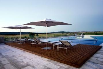 Bodega y Hotel Valbusenda - Piscina