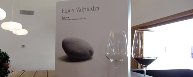 Detalle-copas-y-caja-Finca-Valpiedra